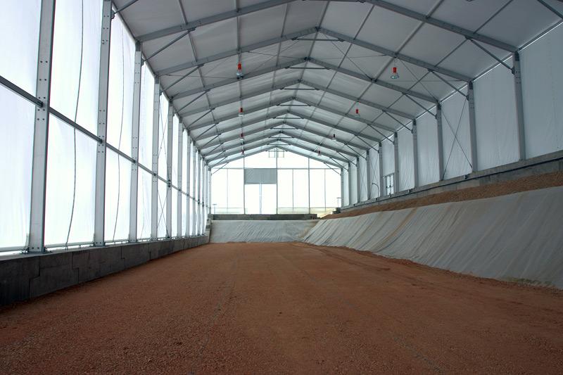 Celda de almacenamiento de residuos de media y baja actividad, y estructura para almacenamiento de muy baja actividad.